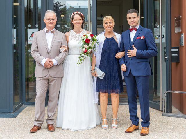 Le mariage de Fayçal et Margaux à Saint-Cyr-l'École, Yvelines 3