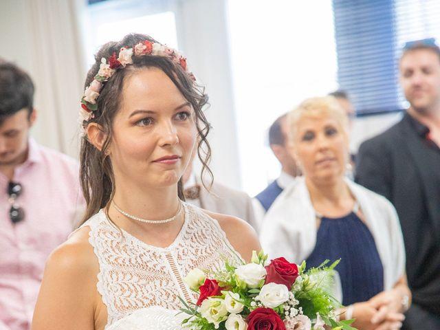 Le mariage de Fayçal et Margaux à Saint-Cyr-l'École, Yvelines 8