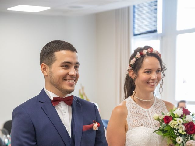 Le mariage de Fayçal et Margaux à Saint-Cyr-l'École, Yvelines 13