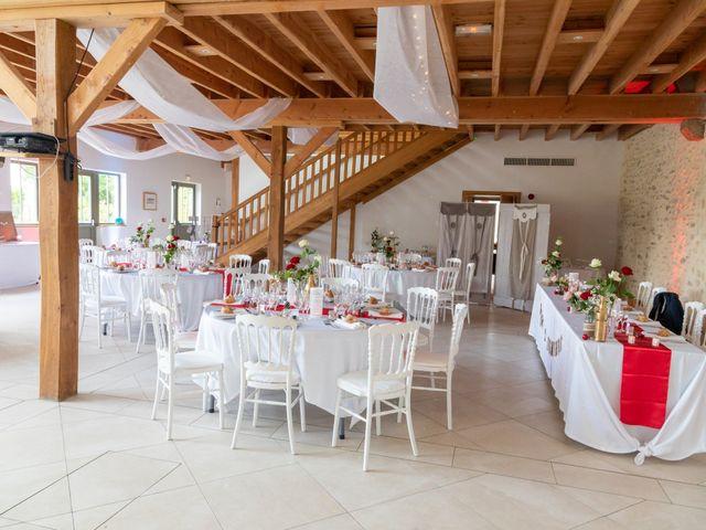 Le mariage de Fayçal et Margaux à Saint-Cyr-l'École, Yvelines 56