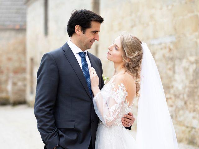 Le mariage de Alberto et Christina à Morienval, Oise 17