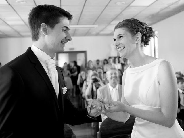 Le mariage de Sébastien et Amélie à Vouillé, Vienne 23