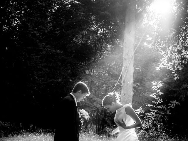 Le mariage de Sébastien et Amélie à Vouillé, Vienne 37