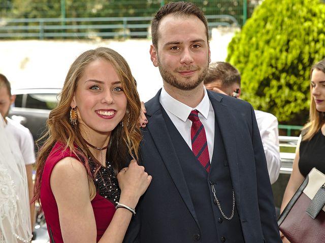 Le mariage de Florian et Rose à Saint-Chamond, Loire 2
