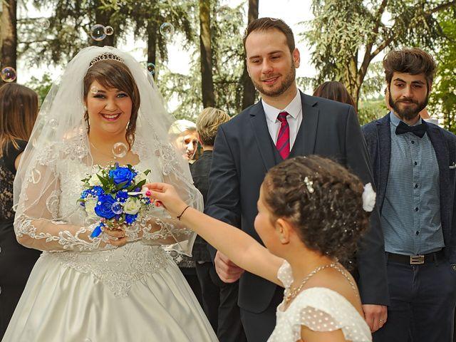 Le mariage de Florian et Rose à Saint-Chamond, Loire 4