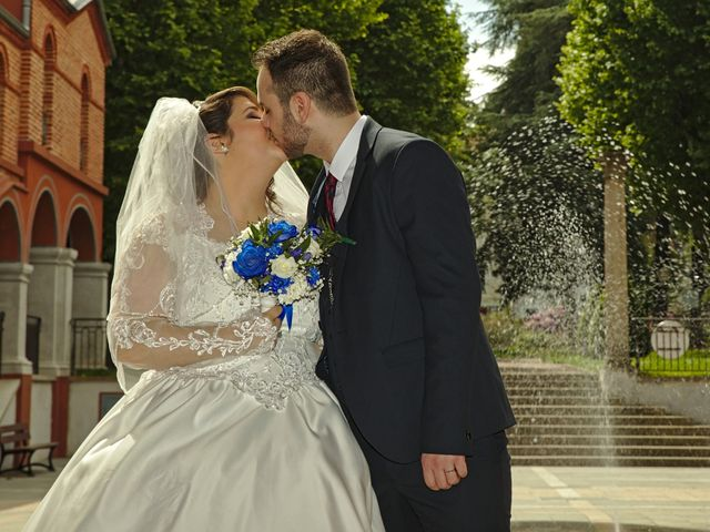 Le mariage de Florian et Rose à Saint-Chamond, Loire 8