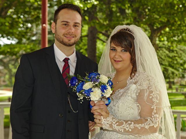 Le mariage de Florian et Rose à Saint-Chamond, Loire 10