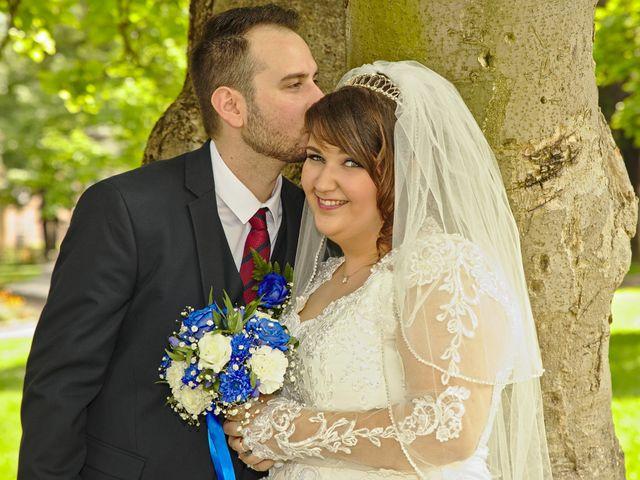 Le mariage de Florian et Rose à Saint-Chamond, Loire 11