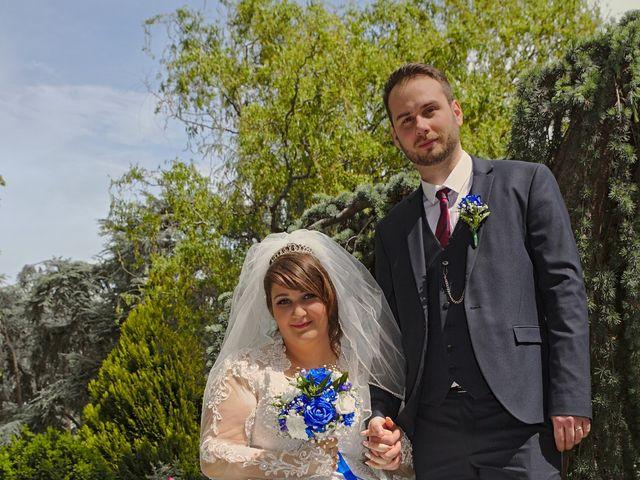 Le mariage de Florian et Rose à Saint-Chamond, Loire 12
