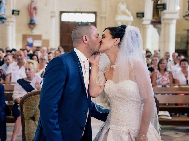 Le mariage de Loïc et Emilie à Montguyon, Charente Maritime 13