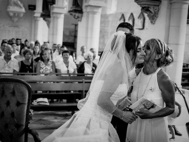 Le mariage de Loïc et Emilie à Montguyon, Charente Maritime 14