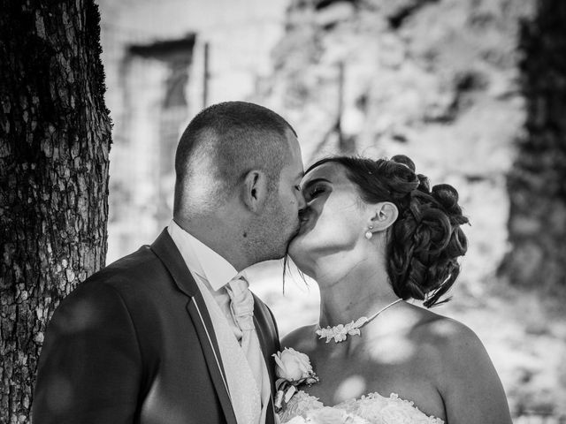 Le mariage de Loïc et Emilie à Montguyon, Charente Maritime 16