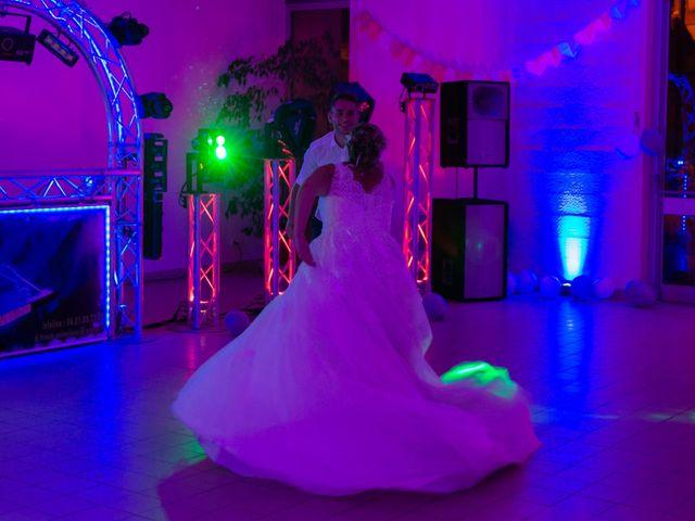 Le mariage de Jérémy et Mélissa à Saint-Savin, Gironde 33