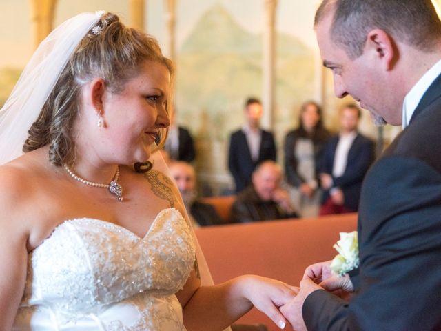 Le mariage de Julien et Roxane à Clermont-Ferrand, Puy-de-Dôme 24