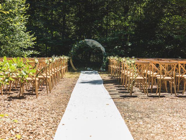 Le mariage de Nicolas et Amandine à Marmanhac, Cantal 12
