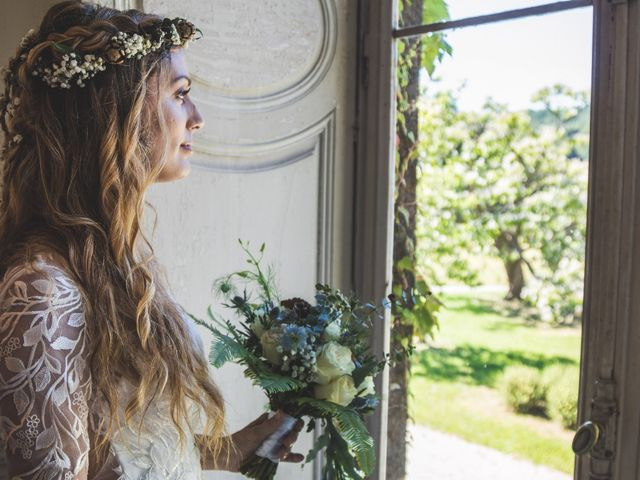 Idées de pose de photo de la mariée seule 23