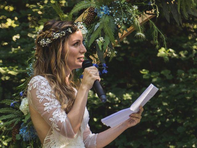 Le mariage de Nicolas et Amandine à Marmanhac, Cantal 17