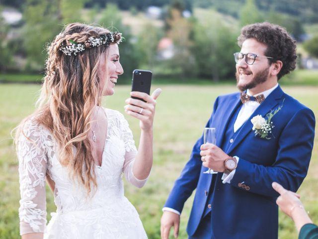 Le mariage de Nicolas et Amandine à Marmanhac, Cantal 23