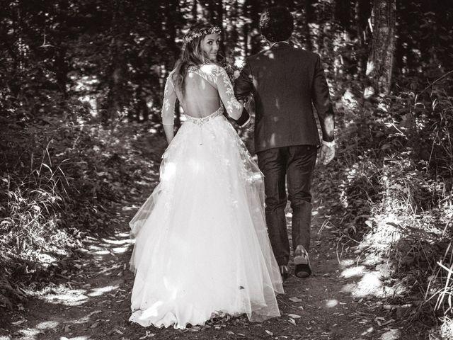 Le mariage de Nicolas et Amandine à Marmanhac, Cantal 31