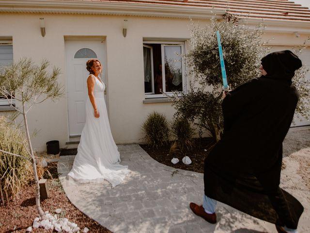 Le mariage de Matt et Elodie à Saint-Denis-de l'Hôtel, Loiret 14