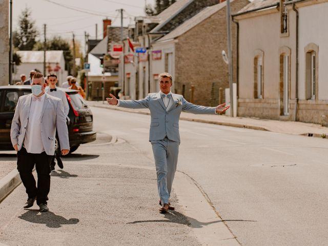 Le mariage de Matt et Elodie à Saint-Denis-de l'Hôtel, Loiret 17