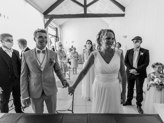 Le mariage de Matt et Elodie à Saint-Denis-de l'Hôtel, Loiret 20