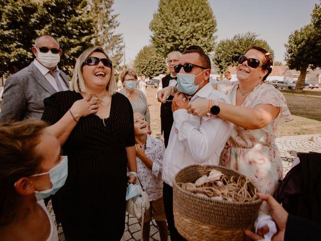 Le mariage de Matt et Elodie à Saint-Denis-de l'Hôtel, Loiret 21