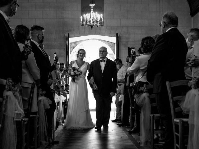 Le mariage de Matt et Elodie à Saint-Denis-de l'Hôtel, Loiret 23