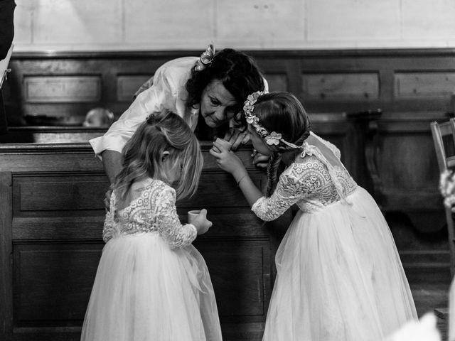 Le mariage de Matt et Elodie à Saint-Denis-de l'Hôtel, Loiret 26