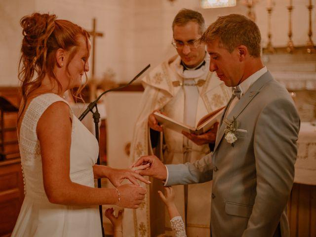 Le mariage de Matt et Elodie à Saint-Denis-de l'Hôtel, Loiret 28