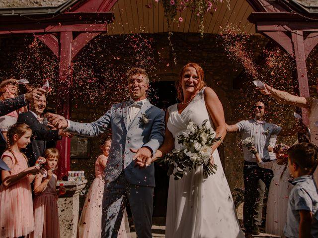 Le mariage de Matt et Elodie à Saint-Denis-de l'Hôtel, Loiret 30