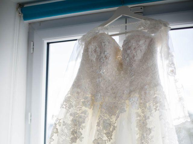 Le mariage de Pierre et Émilienne à Saint-Pierre-du-Vauvray, Eure 11