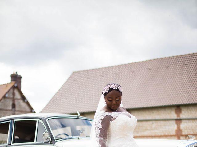 Le mariage de Pierre et Émilienne à Saint-Pierre-du-Vauvray, Eure 77