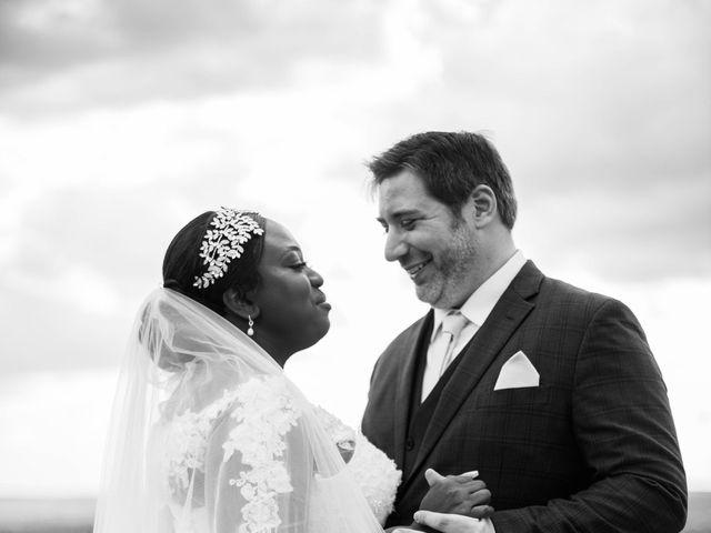 Le mariage de Pierre et Émilienne à Saint-Pierre-du-Vauvray, Eure 93