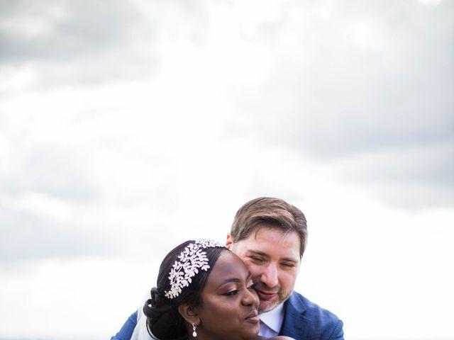 Le mariage de Pierre et Émilienne à Saint-Pierre-du-Vauvray, Eure 101
