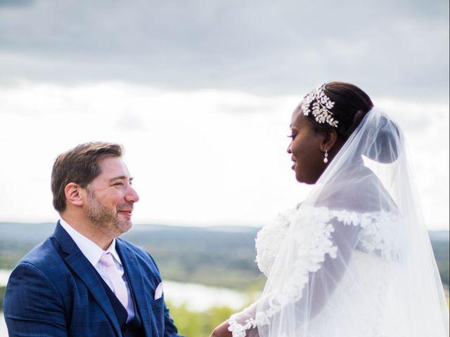 Le mariage de Pierre et Émilienne à Saint-Pierre-du-Vauvray, Eure 105