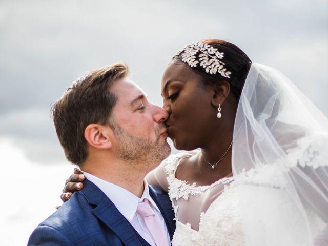 Le mariage de Pierre et Émilienne à Saint-Pierre-du-Vauvray, Eure 109