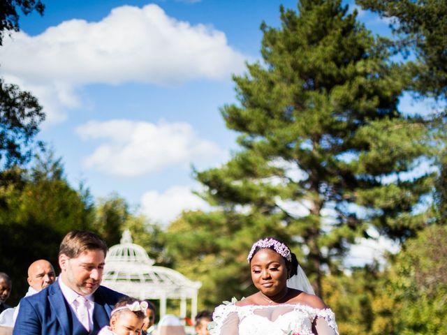 Le mariage de Pierre et Émilienne à Saint-Pierre-du-Vauvray, Eure 132