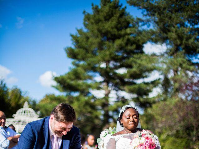Le mariage de Pierre et Émilienne à Saint-Pierre-du-Vauvray, Eure 140