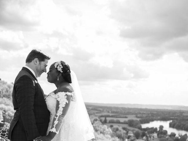 Le mariage de Pierre et Émilienne à Saint-Pierre-du-Vauvray, Eure 1