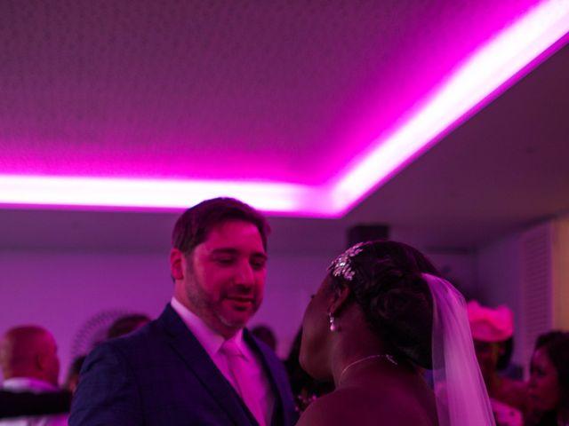 Le mariage de Pierre et Émilienne à Saint-Pierre-du-Vauvray, Eure 202