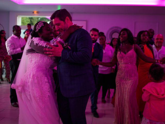 Le mariage de Pierre et Émilienne à Saint-Pierre-du-Vauvray, Eure 203