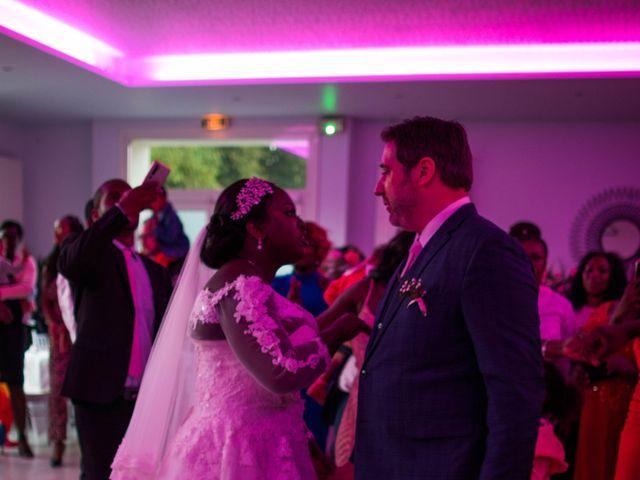 Le mariage de Pierre et Émilienne à Saint-Pierre-du-Vauvray, Eure 204
