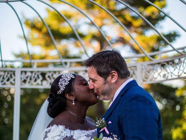 Le mariage de Pierre et Émilienne à Saint-Pierre-du-Vauvray, Eure 209