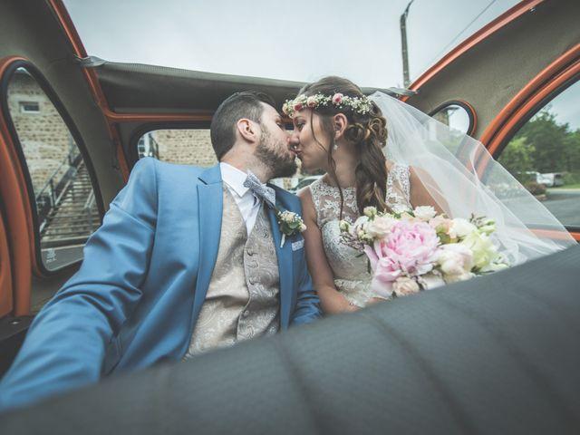 Le mariage de Axel et Marine à Saint-Étienne, Loire 35