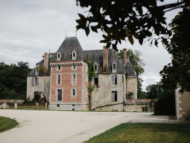 Le mariage de Julien et Mariana à Beaulieu-sur-Loire, Loiret 1