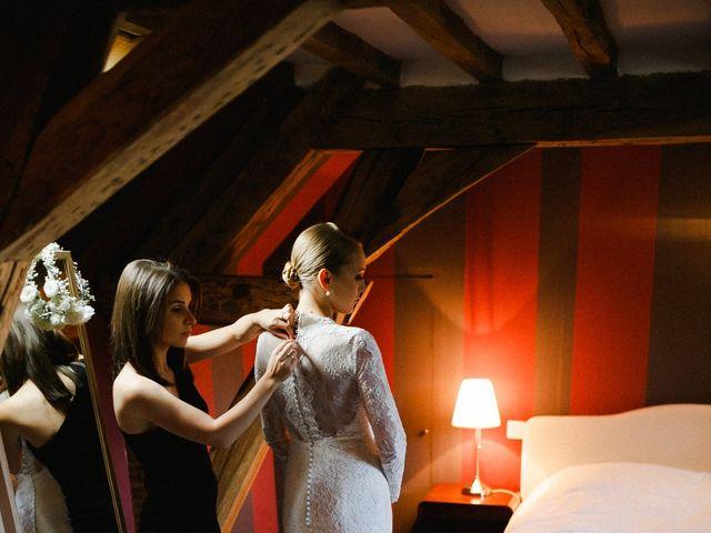 Le mariage de Julien et Mariana à Beaulieu-sur-Loire, Loiret 5