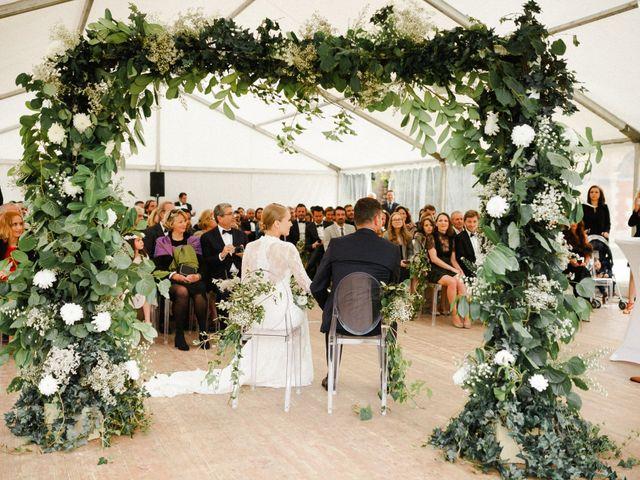 Le mariage de Julien et Mariana à Beaulieu-sur-Loire, Loiret 22