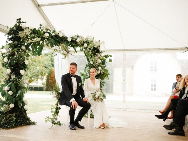 Le mariage de Julien et Mariana à Beaulieu-sur-Loire, Loiret 23