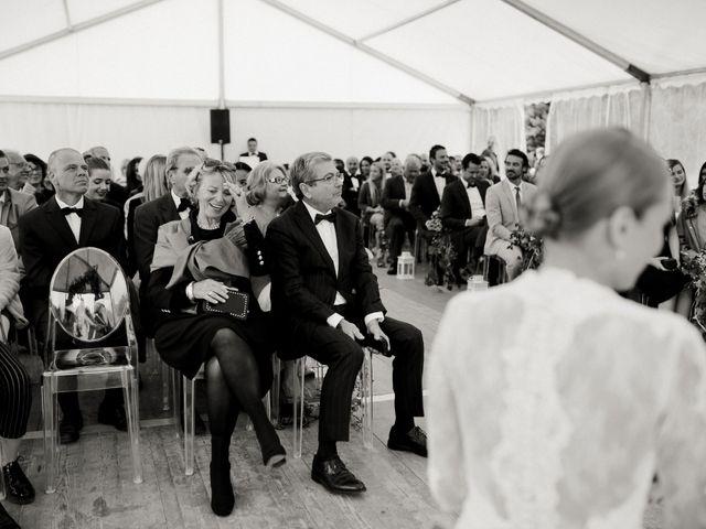 Le mariage de Julien et Mariana à Beaulieu-sur-Loire, Loiret 26